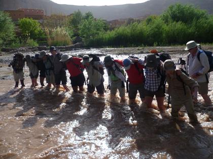 /Valea/river-crossing.jpg