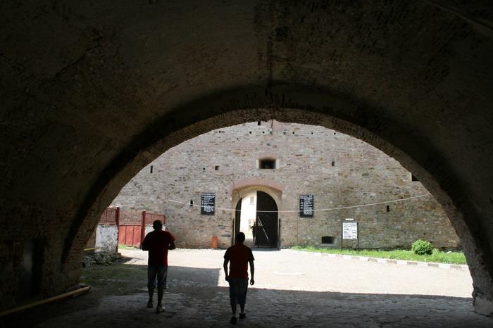 /CetateaRasnovului/img_2268-j2.jpg