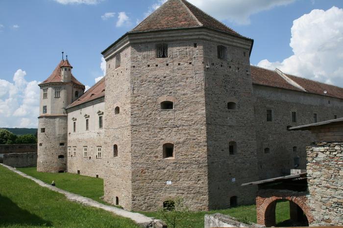 /CetateaRasnovului/img_2272-j2.jpg