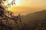 o priveliste cu Piatra Craiului in culorile ... asfintitului sau carpati.org