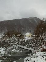 Iarna,la margine de rau...