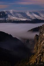 Valea Scorota si o parte din creasta Oslea