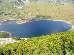 O parte din lacul Gorno Ribno (se observã digul construit la vãrsare pentru ai mãri suprafaÞa ºi adâncimea)