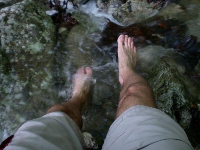 /mehedinti/ziua_2_-_20_cu_picioarele_in_apa.jpg