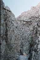 Padina lui Calinet si undeva mai sus surplomba aia..