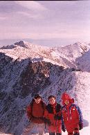 pe creasta fagarasului in  2003 de ziua lu' sarpe (Diana , Alex , Soldatu :d)