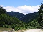 Din Polovragi, urcand pe firul paraului Taraia, la apx.4km ne intampina Cheile Valea Seaca