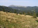 Stana din muntele Buciumu, Piciorul Corsorului, Valea Cernei si Plaiul Recii. In fundal de la st.:m.Funicelu;Balota;Capatana si vf. Ursu