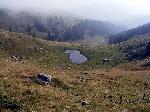 Lacul Negru - un mic lac glaciar aflat pe versantul estic al varfului Fratosteanu Mare - Muntii Latoritei