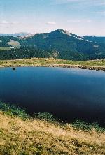 Lacul Icoana și Vf. FĂŁrĂŁoane pe fundal