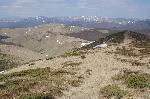 Privind ĂŽnapoi, spre Muntele VĂŁii Negre și Munții Neamțului, ĂŽn timpul urcușului spre Vf. Grohotiș