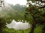 Mount Cameroon - lac format ĂŽntr-un crater vulcanic