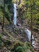 Cascada Duruitoarea, dupa toate precipitatiile, debit destul de bogat
