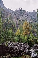 Poiana Morarului Se pot observa Valea Poienii, Valea Tancurilor si Coltii Morarului octombrie 2004