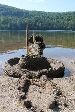 Castelul de pe malul lacului